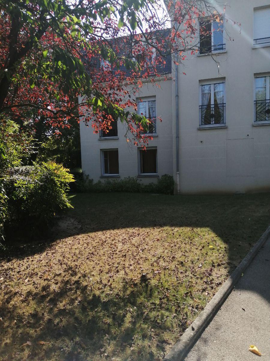 A LOUER SOISSONS (02200) un appartement en rez-…